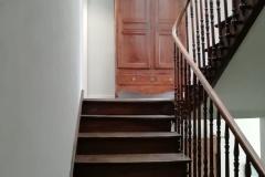 10-Montée-escalier-RDC-vers-1er