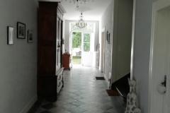 4-Couloir-RDC-entrée-vers-Jardin