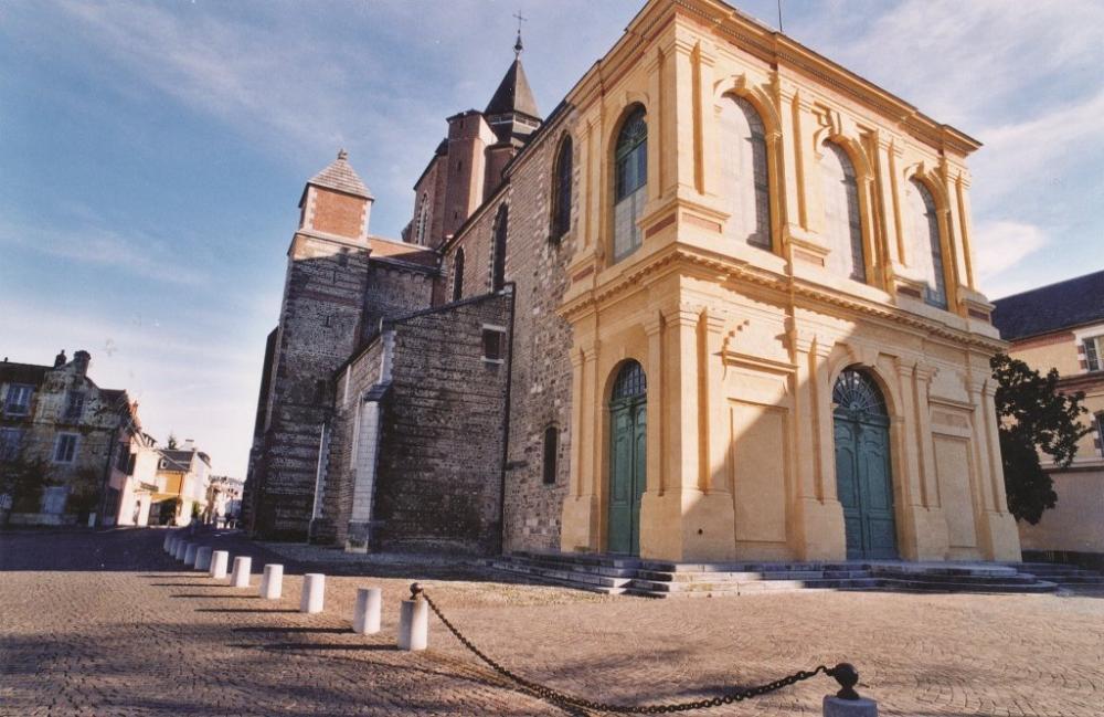 TARBES-cathédrale-Notre-Dame-de-la-Sède-b
